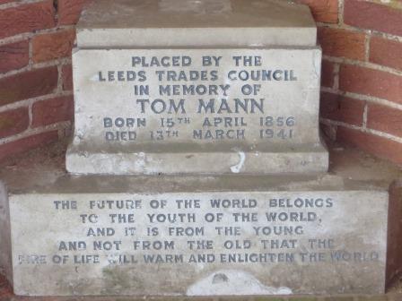 Tom Mann plaque11-17423-1